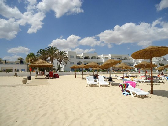 Club Marmara Hammamet Beach: L'hôtel depuis la plage
