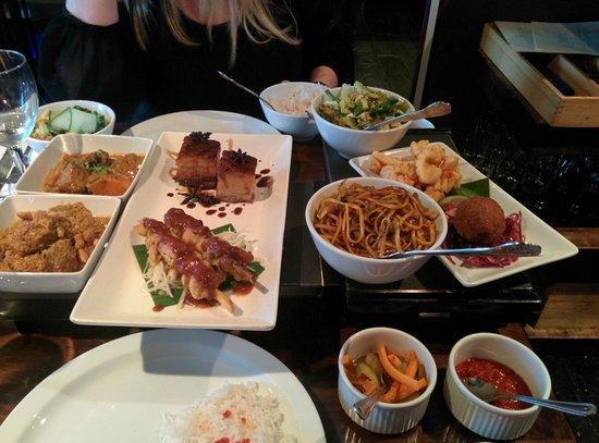 Chameleon Restaurant: Dinner for two?! Mmmm