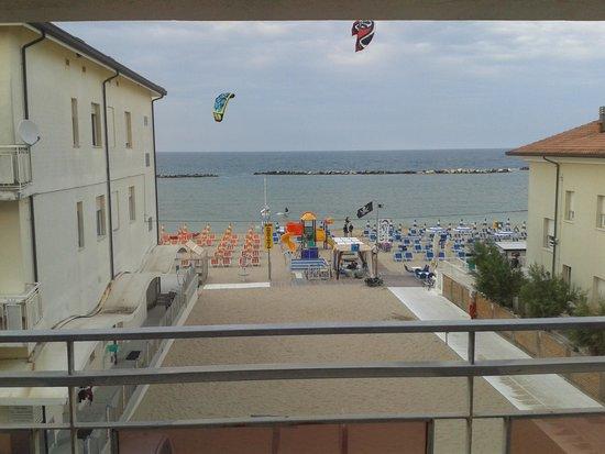 Hotel Barca d'Oro: vista dal corridoio delle stanze