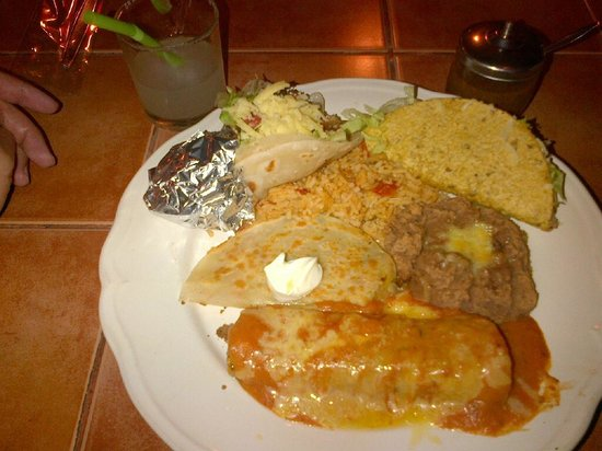 Miguel's Cafe: The Rico mixed plate + a hard shell taco
