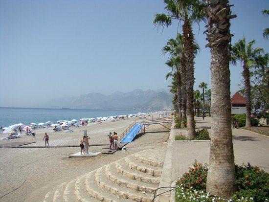 "Konyaalti Beach: Пляж ""Коньяалты"""