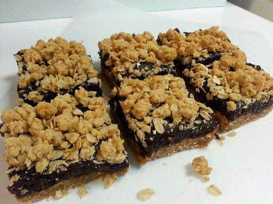Big Ricky's little bake shoppe: Date squares!