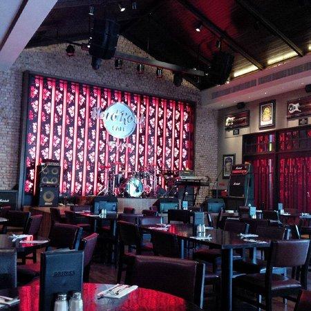 Hard Rock Cafe Melaka: interior 1