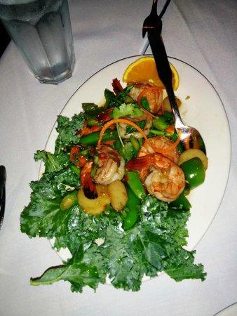Golden Thai Restaurant: Spicy basil shrimp - fantastic if you love the flavor of basil