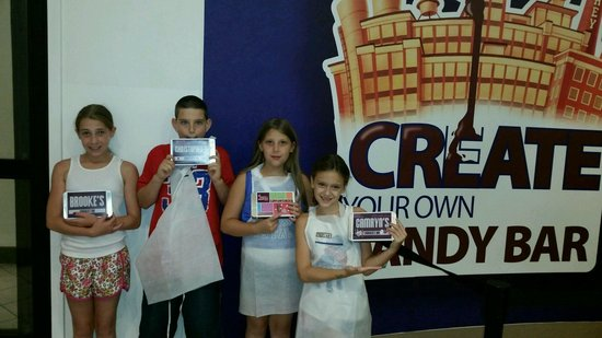 Hershey's Chocolate World: bars completed