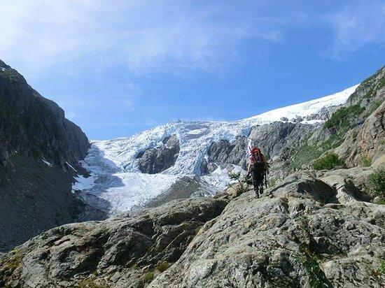 FlatEarth Norway: Hike towards Buer Glacier