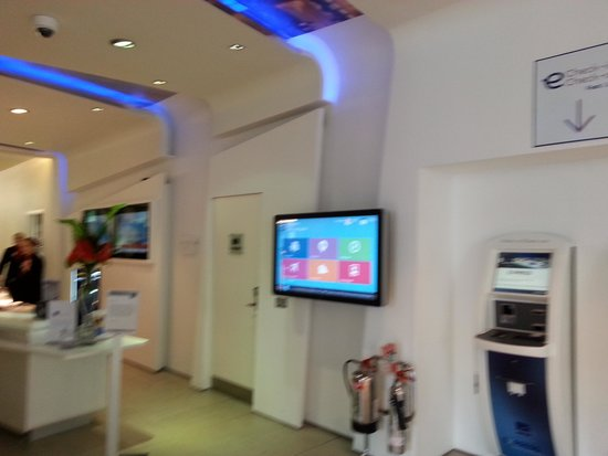 Novotel Liverpool: reception