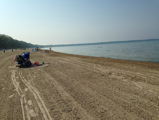 Sandbanks Provincial Park: Sandbanks Beach - goes on forever