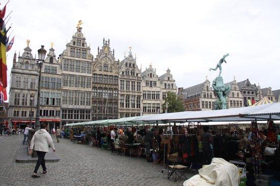 Grote Markt van Antwerpen: market in the Grote Markt area