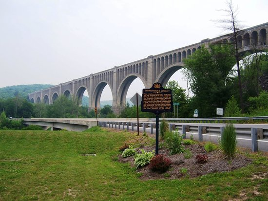 Endless Mountains, เพนซิลเวเนีย: Tunkhannock Viaduct - One of the Architectural Wonders of the World!
