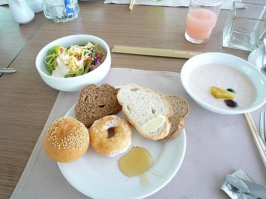 Baiyoke Sky Hotel: 朝食