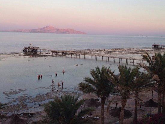 Tamra Beach: Spiaggia al tramonto