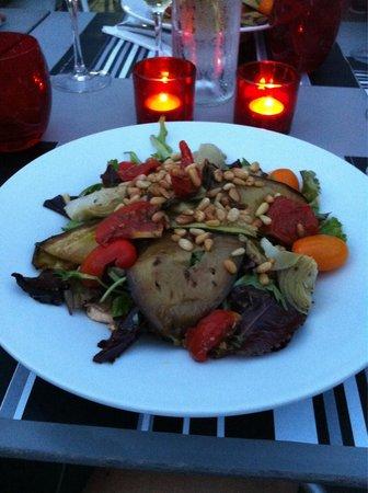Le DZ Restaurant: Salade Végétarienne (small)