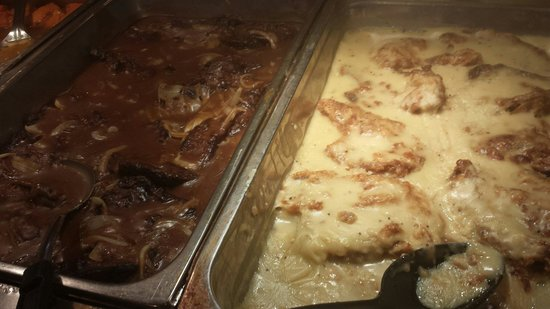 Celebrity Soul Food Buffet : Pork chops with gravy