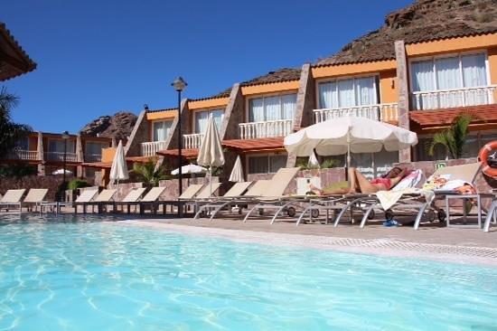 Tauro Resorts: piscina