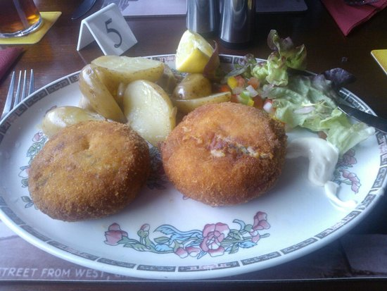 Seafield Lodge Hotel: Excellent Fishcakes (2 Different)