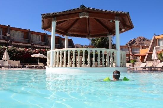 Tauro Resorts