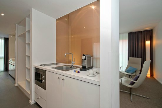 Legere Hotel Luxembourg : Gallery Suite Junior Suite - kitchenette