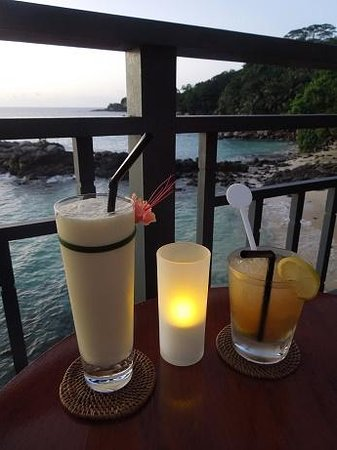 Hilton Seychelles Northolme Resort & Spa: At the Ocean View Bar