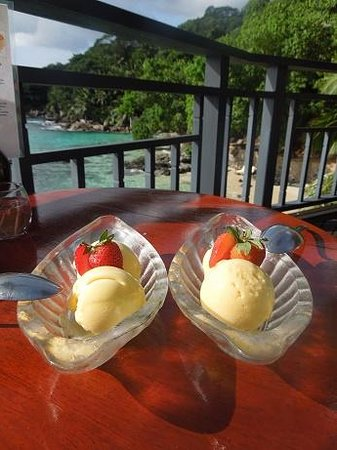 Hilton Seychelles Northolme Resort & Spa: ice cream in the afternoon..:-))