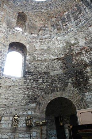Palais de Dioclétien : Le vestibule