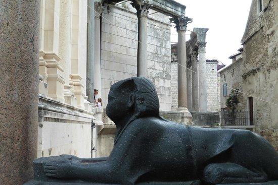 Palais de Dioclétien : Sphinx