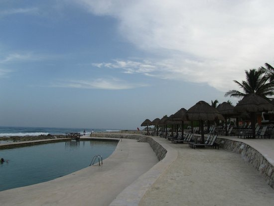Grand Palladium Colonial Resort & Spa: Piscina de las rocas