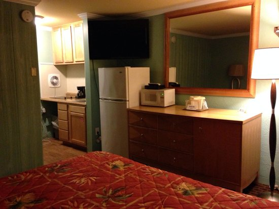 Dolphin Inn : King kitchenette
