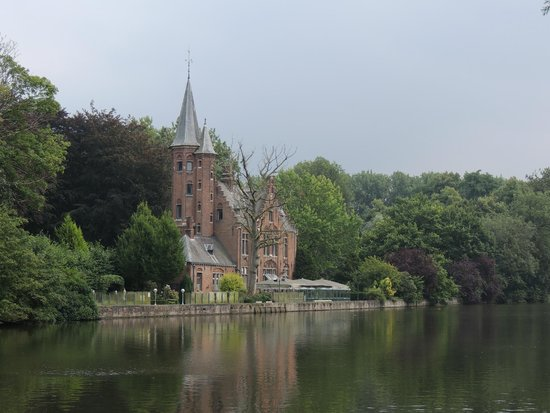 Minnewater Lake: View from the Market Sq side