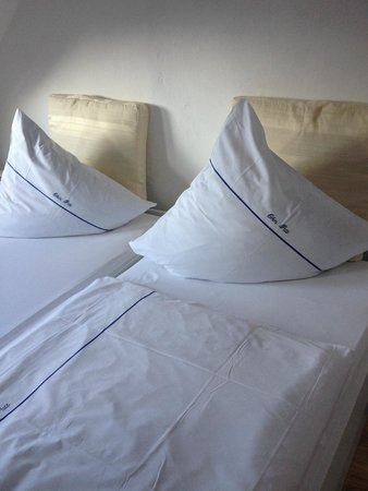 Boppard Hotel Ohm Patt: Our bed!