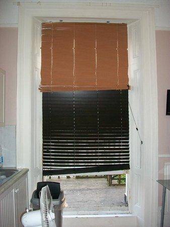 37คอลลิงแฮมเพลส ลอนดอน: Window blinds