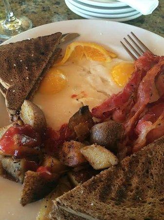 Palm Beach Oceanfront Inn: Complimentary breakfast - YUM!