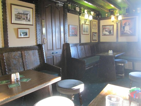 Milecastle Inn: inside the pub