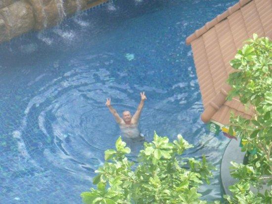 Centara Pattaya Hotel: Pool from my room