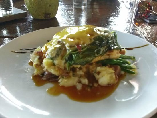 Carmella's: Chicken saltimbocca