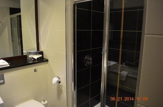 Carlton Hotel Blanchardstown : salle de bains