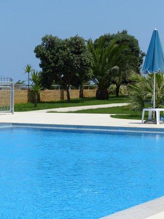 Renieris Hotel: piscine