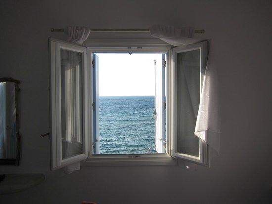 Tania Milos: beautiful window in the room