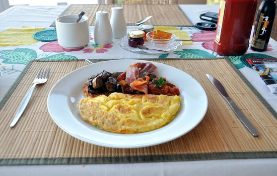 Big Blue Beach Lodge : Best Omlette I have eaten