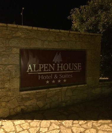 Alpen House: Sign