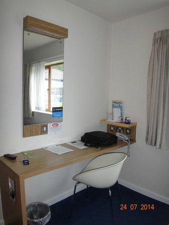 Travelodge Limerick: Room, Tea & Coffee
