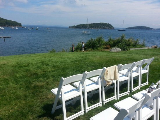 Bar Harbor Inn: Beautiful oceanfront wedding day!