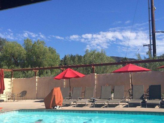 Casa Ojai Inn: Ojai Casa's Pool Area