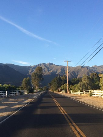 Casa Ojai Inn: View from two blocks away from hotel.