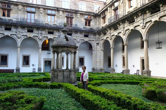 Parador Hostal Dos Reis Catolicos : one of the four courtyards