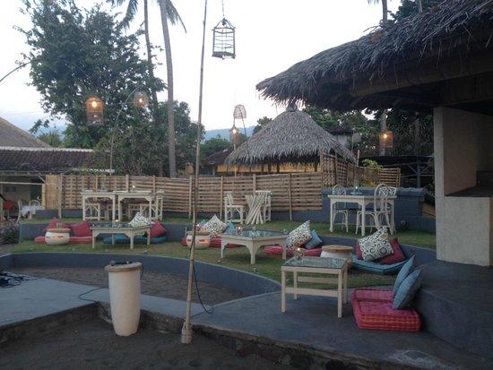 Lilin Lovina Beach Hotel : baretto spiaggia