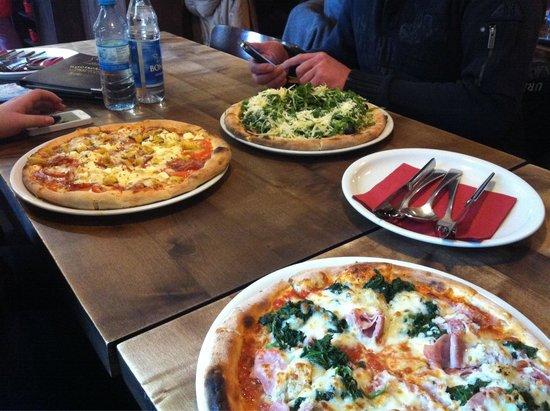 Pizzeria Da Antonio: Drei verschiedene Pizzen - alle sehr lecker!
