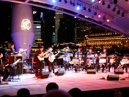 Esplanade Park : Jazz in July event by the Esplanade Bay