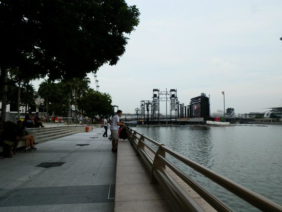 Esplanade Park : A view of the Singapore Bay from the Esplanade