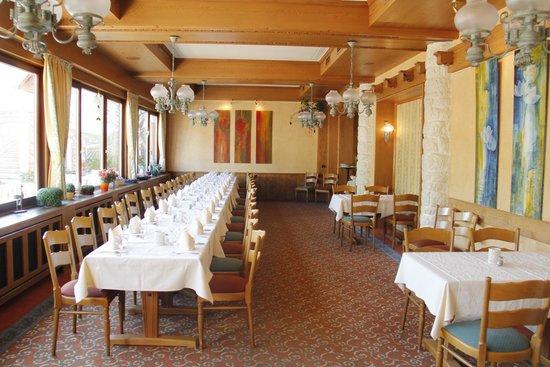 Weinhotel Landsknecht: Inside View of Restaurant